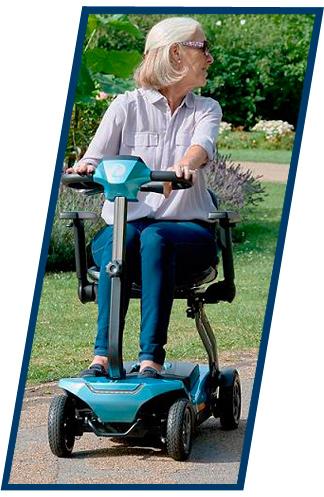 probar-ortopedia-en-casa-anciana-en-silla-electrica-de-4-ruedas